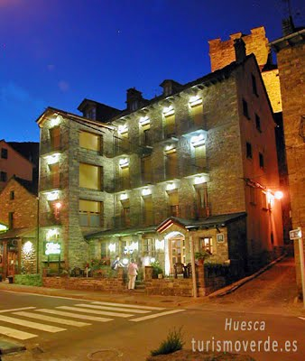 TURISMO VERDE HUESCA. Hotel y Apartamentos Gabarre de Broto